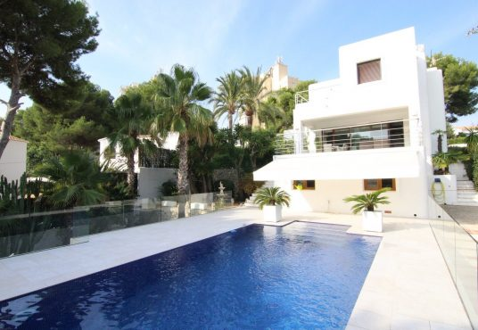 CD205685-Villa-in-Moraira-02